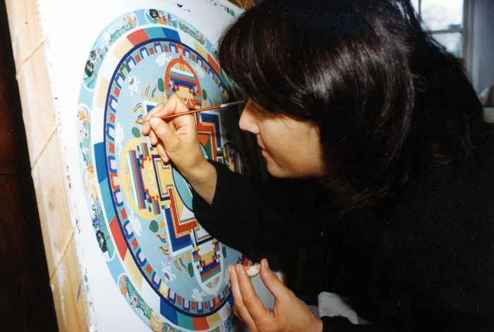 Ученица Энди рисует самостоятельно